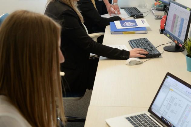 Обука на финансиски и административен кадар